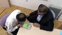 İŞİTME ENGELLİLER - İşitme Ve Görme Engellinin 'Film' Gibi Başarı Hikayesi