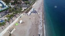 BELCEĞİZ PLAJI - Kasımda Deniz Ve Yamaç Paraşütü Keyfi