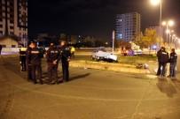 KADIR HAS - Kayseri'de Otomobiller Çarpıştı Açıklaması 1 Ölü, 3 Yaralı