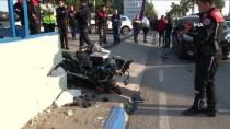 Kontrolsüz Dönüş Yapan Araç Motorize Ekibe Çarptı Açıklaması 2 Yaralı