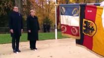 ALMANYA - Macron Ve Merkel'den Sembolik Görüşme