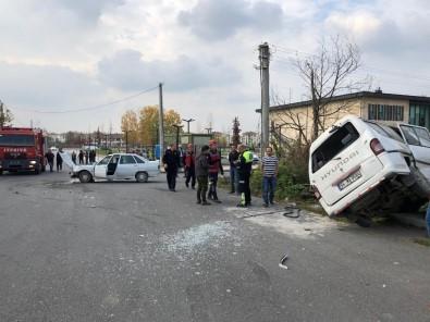Otomobil İle Minibüs Çarpıştı Açıklaması 2 Yaralı