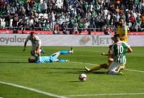 Spor Toto Süper Lig Açıklaması Atiker Konyaspor Açıklaması 0 - MKE Ankaragücü Açıklaması 0 (İlk Yarı)