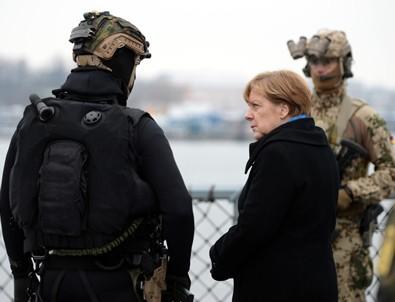 Alman ordusu siyasilere suikast planlamış
