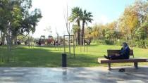 YAMAÇ PARAŞÜTÜ - Antalya'da Plajlarda Yoğunluk