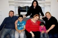 KADIN DERNEĞİ - Çocuk Özlemlerini, Alman Çocuklarla Giderdiler