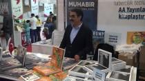 İLETIŞIM - Dr. Şaban Kızıldağ AA Yayınları Standını Ziyaret Etti