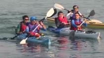 İZMİR KÖRFEZİ - Görme Engelli İki Genç Kanoyla İzmir Körfezi'ni Geçti