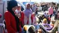 Kadınlar Turşu Ve Reçelleriyle Yarıştı