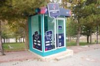 MADDE BAĞIMLISI - Karaman'da Turizm Bilgi Kabinine Zarar Verdiler