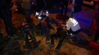ALSANCAK - Kocaeli'de İki Otomobil Kafa Kafaya Çarpıştı Açıklaması 3 Yaralı