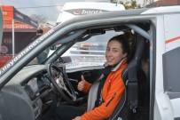 Off-Road Şampiyonası'nda Yarışan Tek Kadın Pilot Dikkat Çekti