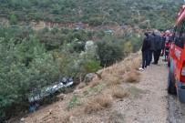 İBRAHIM DEMIR - Otomobil Uçuruma Yuvarlandı Açıklaması 2 Yaralı