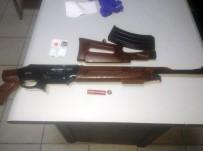 19 MAYıS - Şüpheli Araçlardan Tabanca Ve Pompalı Tüfek Çıktı