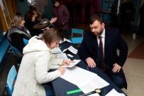 BASIN KURULUŞU - Ukraynalı Ayrılıkçıların Tartışmalı Seçimleri Başladı