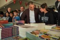 Vali Yazıcı Bigadiç Kitap Fuarına Katıldı