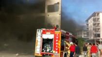 Yıkımı Yapılan Alışveriş Merkezinde Yangın Çıktı