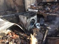 Balıkesir'de Yangında 3 Ev Kullanılamaz Hale Geldi