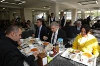 Başkan Çelik, Öğle Yemeğinde Büyükşehir Belediyesi Personeli İle Bir Aradaydı