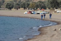 HELIKOPTER - Dikili'de 2 Düzensiz Göçmenin Cesedine Ulaşıldı, 1 Kişi Kurtarıldı
