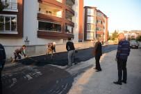 Dinar'da Sıcak Asfalt Serme Çalışmaları Devam Ediyor