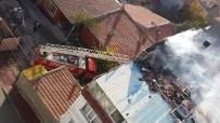 ULU CAMİİ - Ekmek Ocağından Çıkan Yangın Bina Çatısını Sardı
