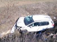 Emet'te Trafik Kazası Açıklaması 3 Yaralı
