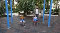 Güneydoğulu Çocukların Parkta Güneş Keyfi