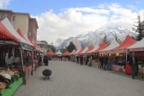 Hakkari'de 'Yöresel Ürün Fuarı' Açıldı