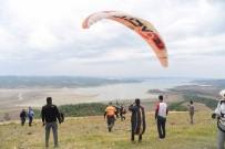 HÜSEYIN SÖZLÜ - Lösemiyi Yenen Çocuklar Yamaç Paraşütüyle Moral Depoladı