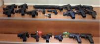 DÖNER BIÇAĞI - Niğde'de Ruhsatsız 125 Adet Silah Ele Geçirildi