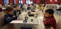 SATRANÇ - Öğrenciler Satranç Turnuvasında Hem Eğlendi Hem De Ata'larını Andı