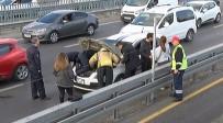 YAVRU KEDİ - (ÖZEL) E-5'Te Otomobil Motoruna Giren Kediyi İtfaiye Kurtardı