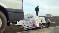 Şanlıurfa'da Yakıt Tankeri İle İşçi Minibüsü Çarpıştı Açıklaması 8 Yaralı