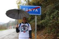 'Yürüyen Adam' Bu Kez Kanserden Kaybettiği Annesi İçin 700 Km Yürüyecek