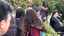 Adana'da Balkondan Düşen Çocuğun Cenazesi Toprağa Verildi