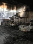 Aliağa'daki Yangın Kaportacı Dükkanını Kül Etti