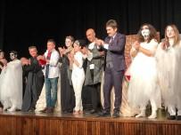 ''Büyücü'' Oyunu İzleyicileri İle Buluştu