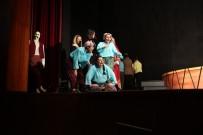GENEL SANAT YÖNETMENİ - 'Düğün Ya Da Davul' Seyirciyle Buluştu
