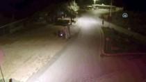 TİCARİ ARAÇ - Gasp Şüphelileri Kaçtıkları Aracın Plakasını Bantla Değiştirmişler