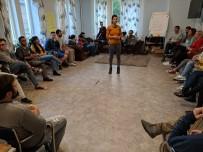 Gençlik Ve Değişim Derneği 5 Kişiyi Letonya'ya Gönderdi