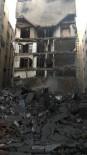 SALDıRı - İsrail Gazze'de 7 Binayı Bombaladı; 4 Ölü