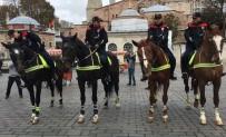 İstanbul'da 'Atlı Birlikler' Göreve Başladı
