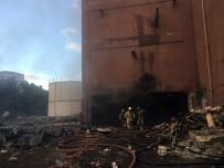 İstanbul'da Eski Tül Fabrikasında Yangın