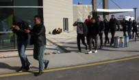 YUNUSEMRE - Jandarmadan Hırsızlık Çetesine Darbe