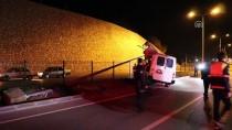 Muğla'da Minibüs Direğe Çarptı Açıklaması 2 Ölü