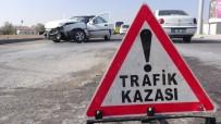 HASTANE - Otomobiller Çarpıştı Açıklaması 2 Yaralı