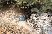 MADEN OCAĞI - 40 Yıldır Mağarada Yaşıyor