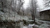 SAĞANAK YAĞIŞ - Bartın'da Yüksek Kesimlerde Kar Yağışı