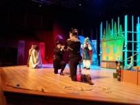 ÇOCUK OYUNLARI - Bodrum Şehir Tiyatrosu'nun İlk Çocuk Oyunu Çizmeli Kedi Sahnede